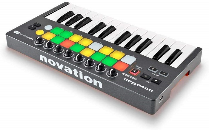 Novation LAUNCHKEY MINI MK2 25 Key USB Keyboard Controller